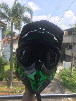 Helm Cargloss AHRS