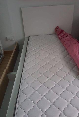 🚚 Mattress & bed frame