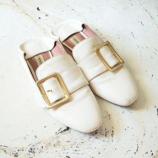 Sepatu Bally Janelle Loafers Ivory