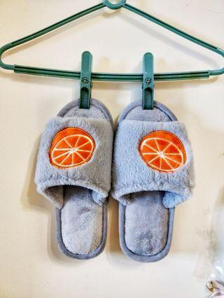 🚚 全新38-39水果造型絨毛拖鞋