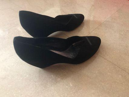 Black Heels leather shoes
