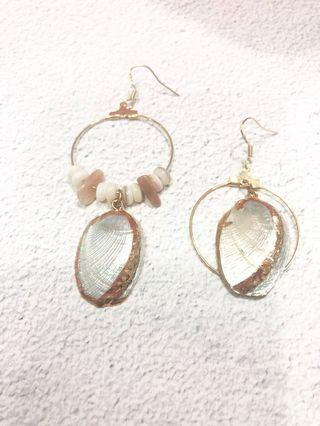 Fleurine Asymmetrical Seashell Earrings