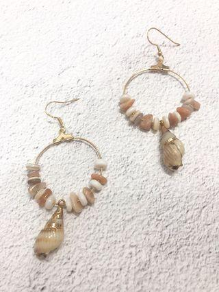🚚 Geneve Seashell Earrings