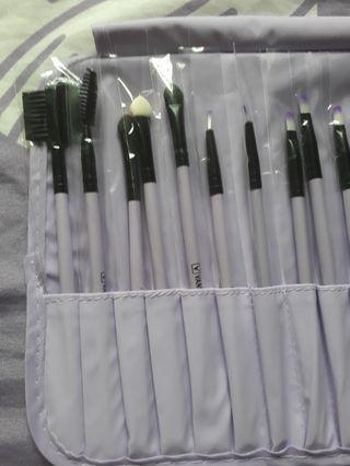 BNIP Make-up Brushes