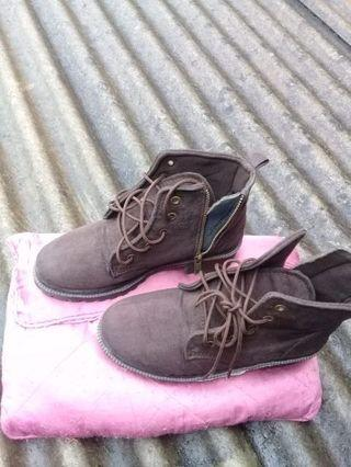 BOOTS SIZE 37 BROWN include ongkir