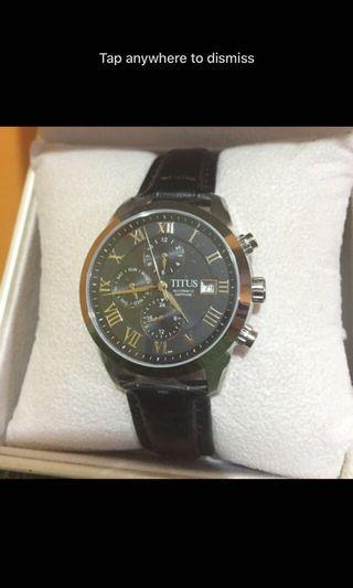 🚚 (Below Retail)BN Authentic Silver Rim Black Solvilet Titus Watch