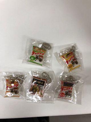 明星食品包裝面扭蛋玩具