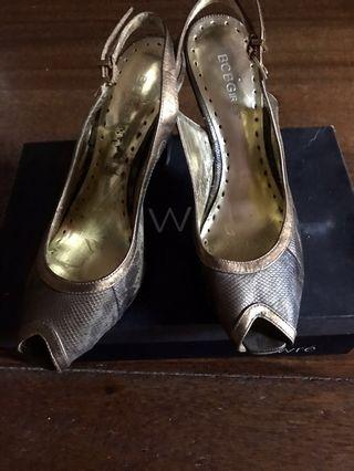 BCBG Sling back leather shoes size 8 1/2