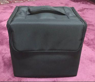 Make up bag ( Black)