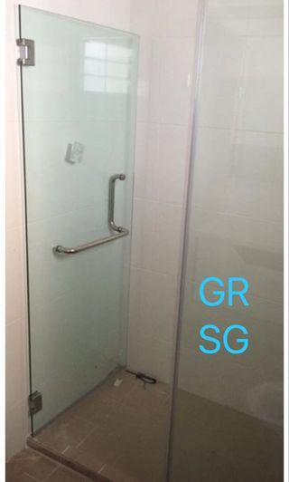 1 fix + 1 swing shower screen in tempered glass
