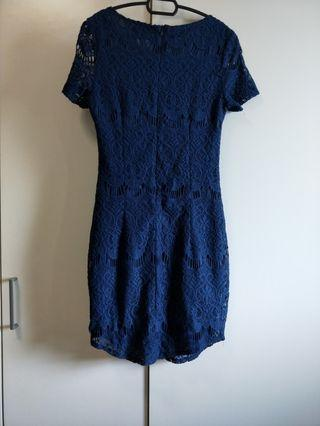 🚚 BNWT Hollyhoque Navy Blue Lace M size