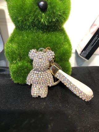 🚚 鑽石熊包包掛飾手機掛飾鑰匙圈。 每個159元。手工貼鑽