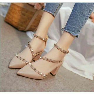 🎋pre-order🎋 women string rivet thick high heels