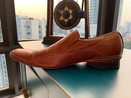 🚚 Steve Madden tan leather