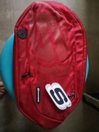 🚚 Skechers waist pouch