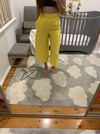 Sheike yellow pants