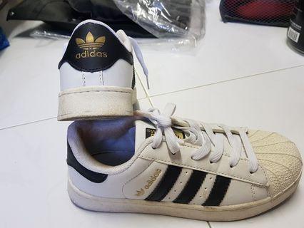 🚚 Adidas super star