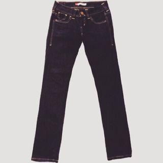 🚚 ㊣近全新Levi's patty anne skinny 牛仔褲W25 L32原價3仟多