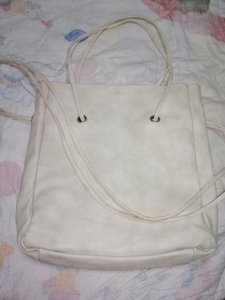 米白色側背、肩背兩用包
