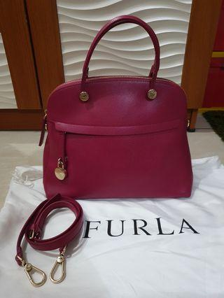 Preloved Furla Piper Medium