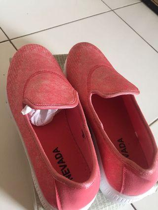 Sepatu Wanita Nevada