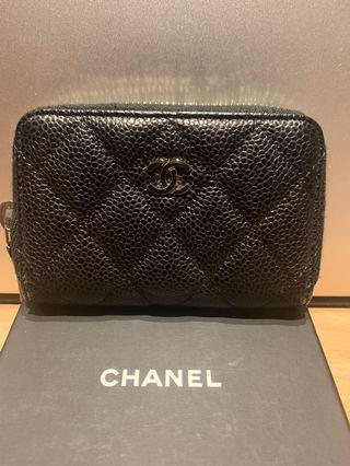 Chanel zipped caviar coin purse
