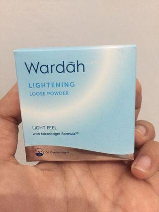 Wardah Lightening Loose Powder Light Beige 01