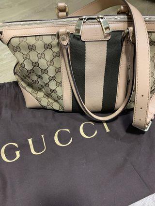 🚚 Gucci handbag