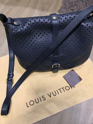 🚚 Limited edition lv