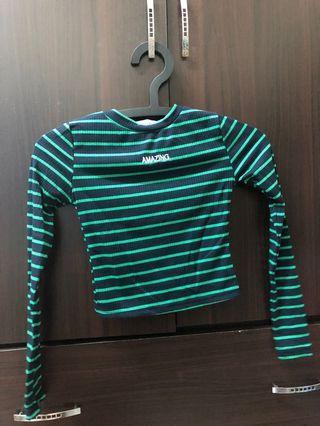 黑綠條紋長袖短版