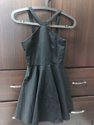 🚚 黑色削肩洋裝