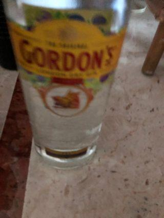🚚 Gordon's Gin. 1 Litre. FREE 2-hour delivery. Cash on delivery. 24/7. Free gift wrapping