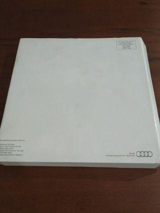 Audi car book