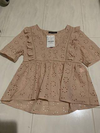 BN eyelet/embroidery/broderie ruffle top
