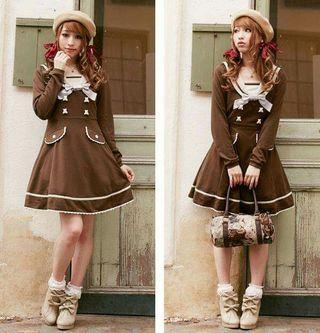日系甜美咖啡色小熊蝴蝶結V領水手連衣裙