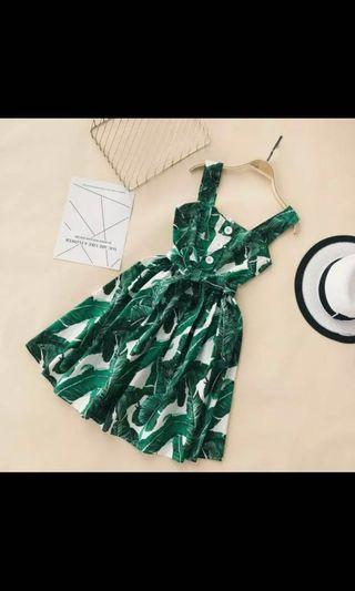🚚 Topical Green Dress