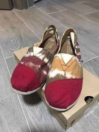 TOMS扎染布鞋