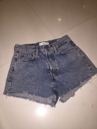🚚 Mango mom shorts ! 💛