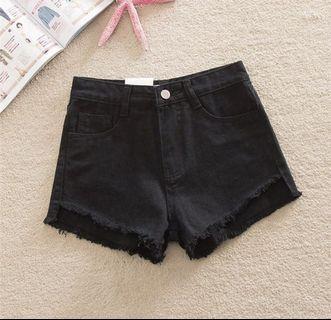 黑色百搭短褲🖤