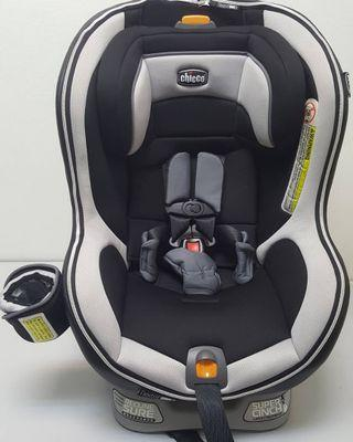 Chicco NextFit Zip Isofix Car Seat (new born till 10 years old)