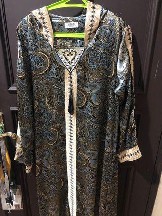 Arabian abaya