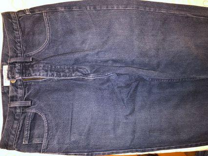 Guess jeans (Made in US) 牛仔褲。美國製造