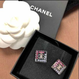✨New Chanel earrings with pink & blue crystals✨