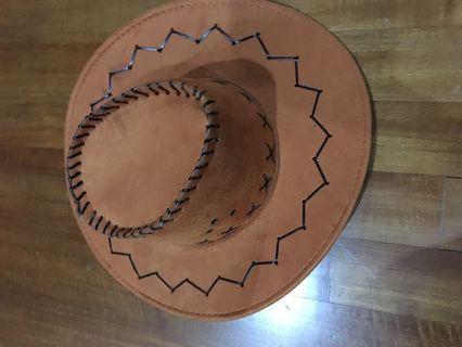 🚚 Cowboy hat