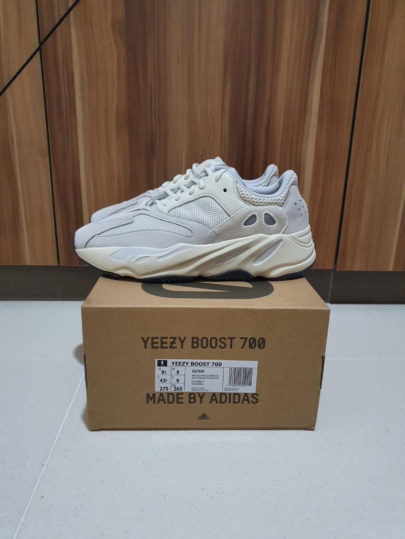 30149d9b6e514 Adidas Yeezy Boost 700 Analog US9.5