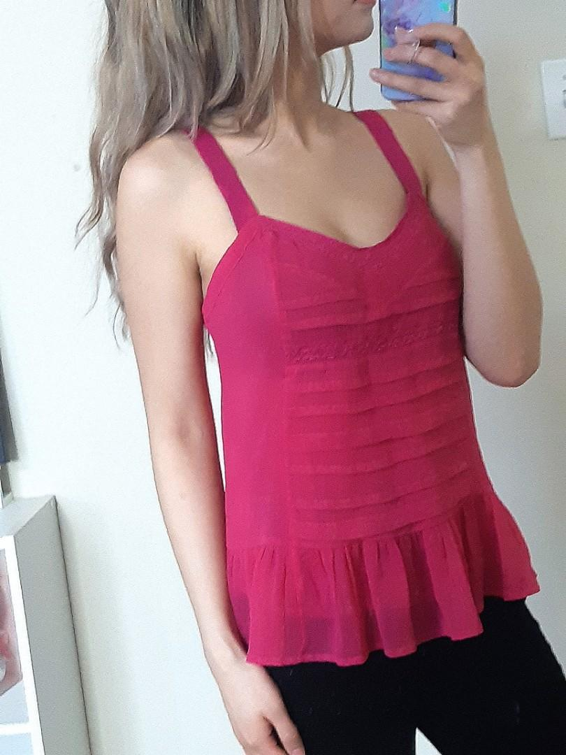 American Eagle Pink top