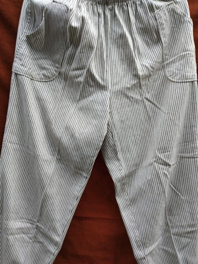 Celana salur putih hitam