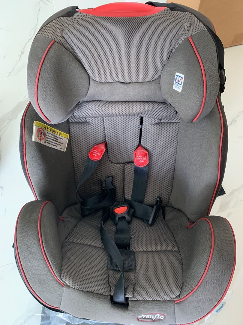 Evenflo Symphony Convertible Car Seat With Surelatch With Infant Insert