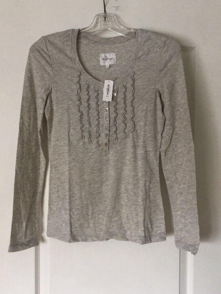 Gray scoop neck long sleeve shirt size small from La Senza. New.