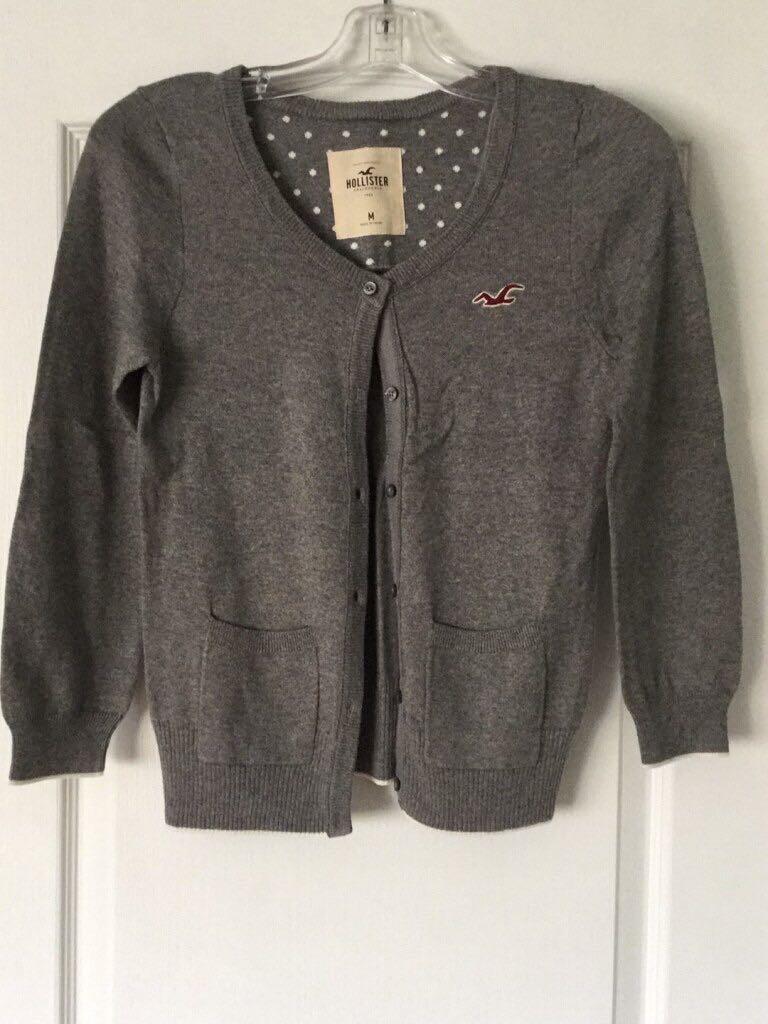 Grey button-up long HOLLISTER sweater. Medium. New.